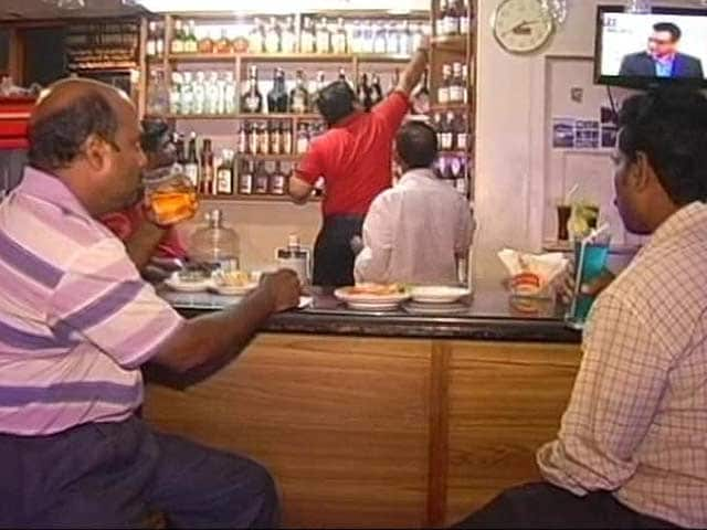 Video : As Kerala Prepares for Dry Days, Around One Lakh Bar Workers Tighten Belts