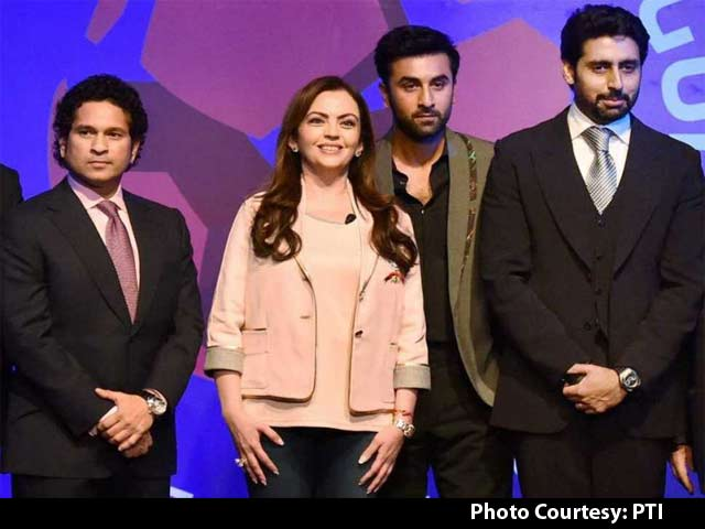 Video : Bollywood Stars Shine on Indian Super League
