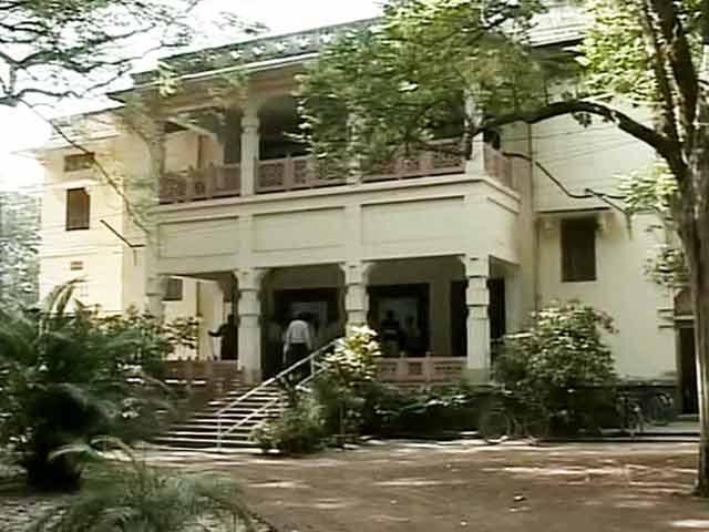Video : 'Stripped, Blackmailed By Seniors,' Alleges Student at Bengal's Visva Bharati University