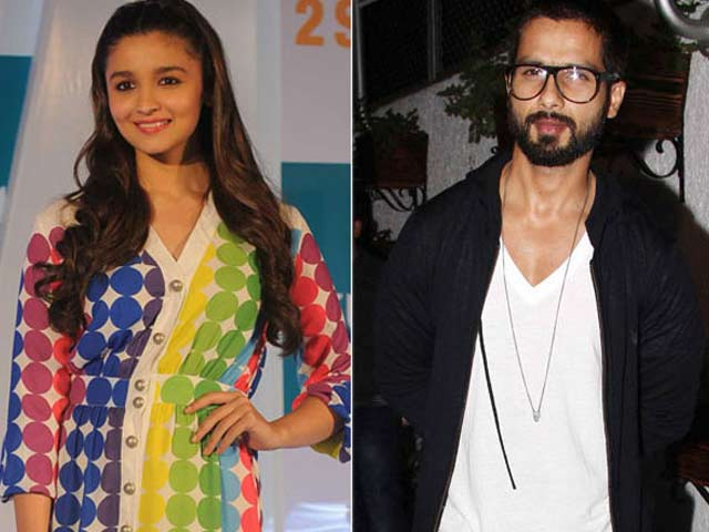 Video : Alia and Shahid Begin Their <i>Shaandaar</i> Journey