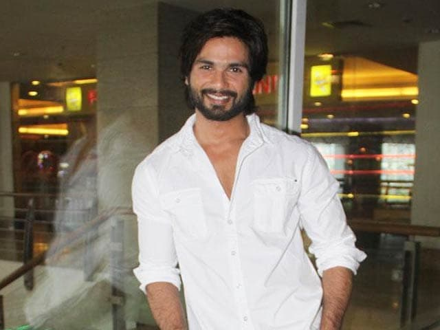 Video : Shahid Kapoor Avoids Ex Priyanka Chopra