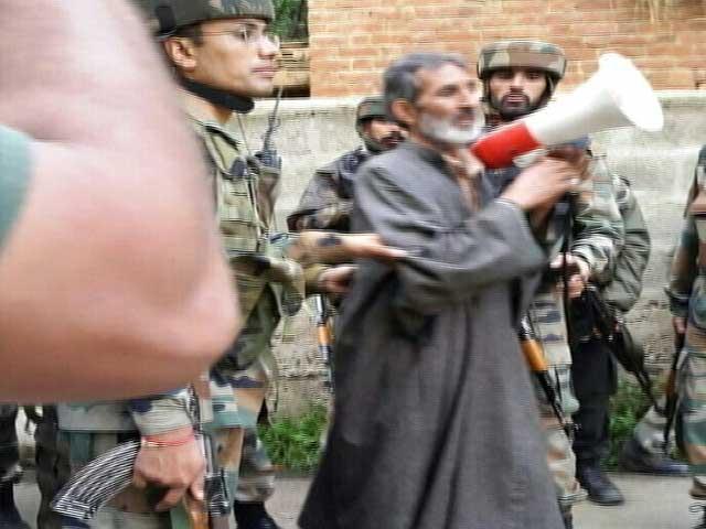 Video : पुलवामा में तीन आतंकियों को सेना ने ढेर किया