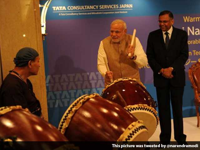 Video : From Playing Drums to Meeting Fans, the Modi Touch is Visible
