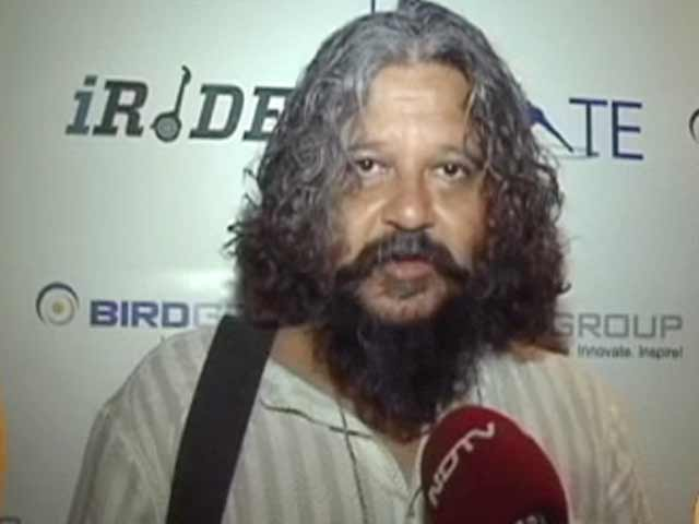 Video : Amole Gupte Roars His Support for Save Our Tigers Campaign