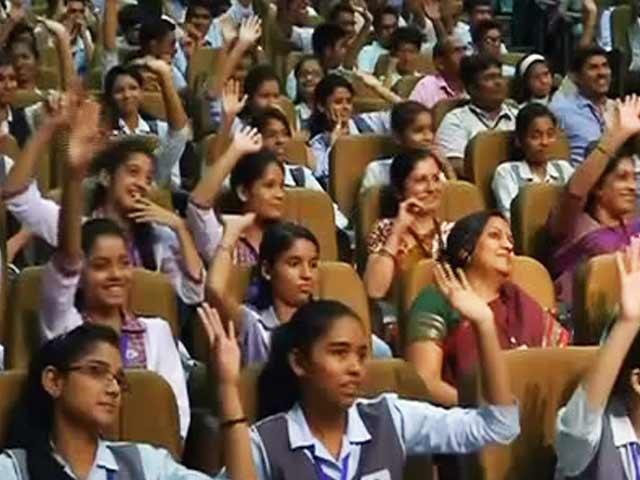 Videos : स्कूली बच्चों के सवाल, पीएम मोदी के जवाब...
