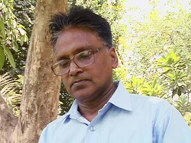 Videos : ईमानदार प्रोफेसर को रिटायर होने की नसीहत