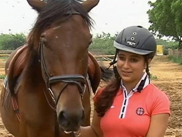 Videos : घोड़ा कोरिया में, घुड़सवार भारत में