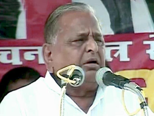 Videos : मैनपुरी में चुनाव प्रचार में जुटे मुलायम सिंह यादव