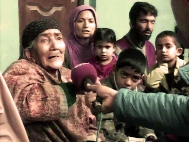 Video : Kashmir Floods: Fleeing Srinagar Residents Take Refuge in Camps
