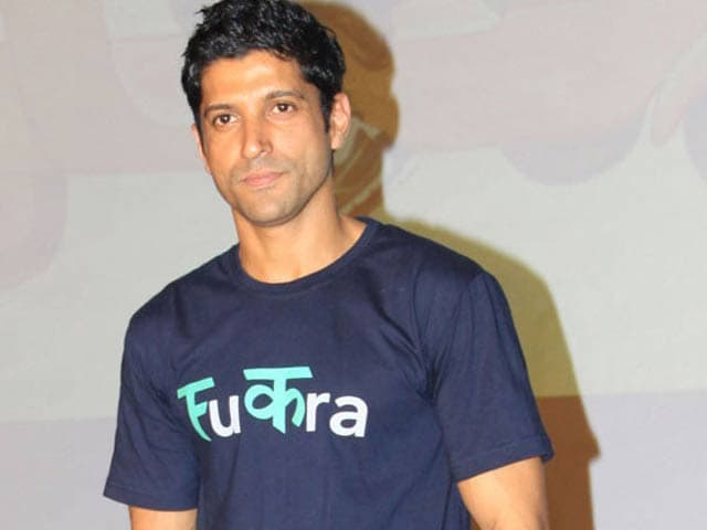 Video : Farhan Akhtar's Safety Measures for Women