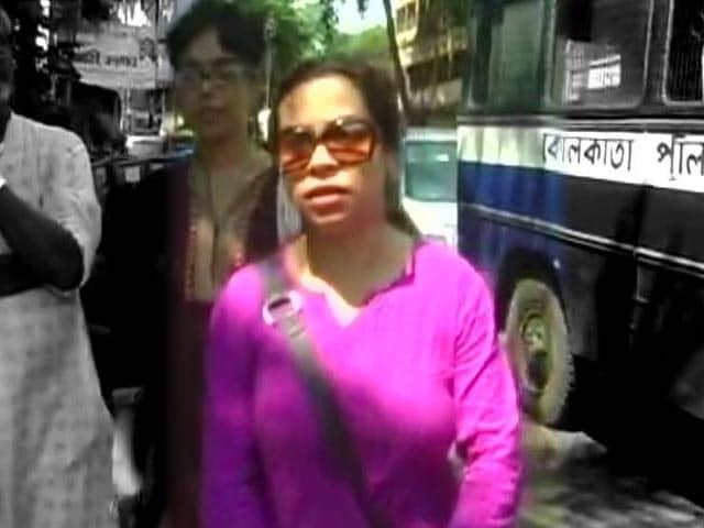Video : Woman Claims Kolkata Restaurant Barred Her for Being a Rape Survivor, Files FIR