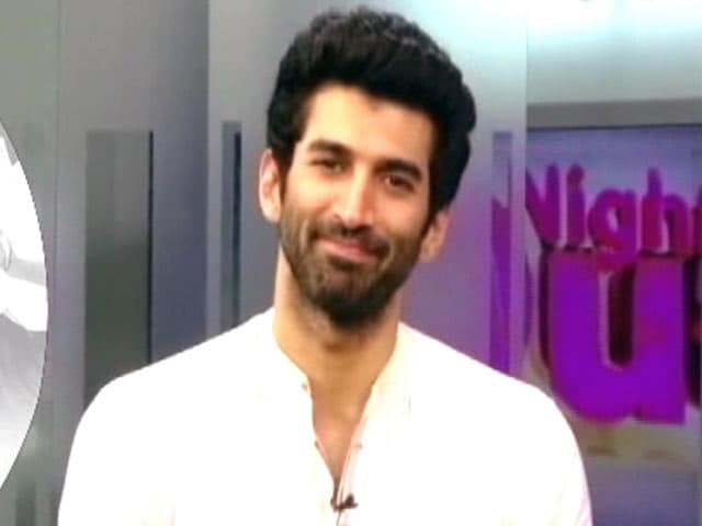 "Video : Aditya Roy Kapoor Lends His Support to ""Swachh India"" Campaign"