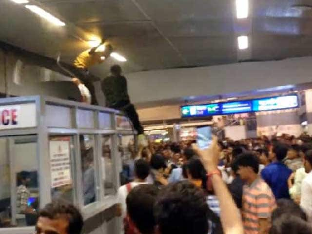Video : Delhi: Mob Attack on African Students at Metro, No Arrests Yet