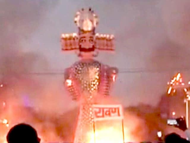 Video : इंडिया 7 बजे : देशभर में धू−धू कर जला रावण