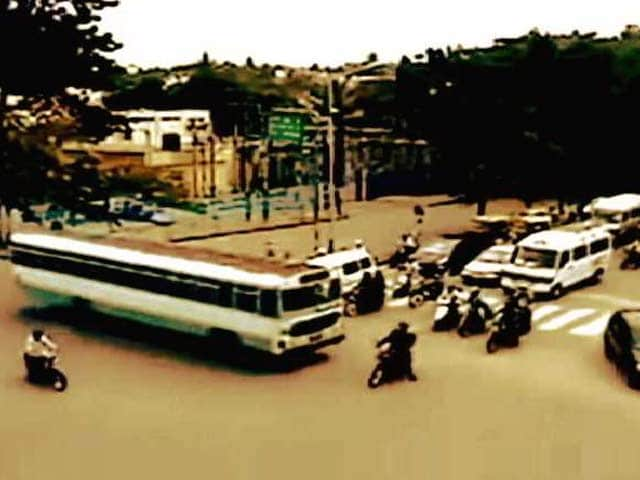 Video : Diageo-NDTV Road To Safety: Why Indian Roads are the World's Most Dangerous?