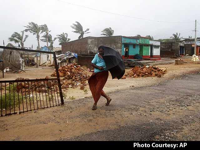 Video : हुदहुद तूफान की चपेट में पूरा पूर्वी तट
