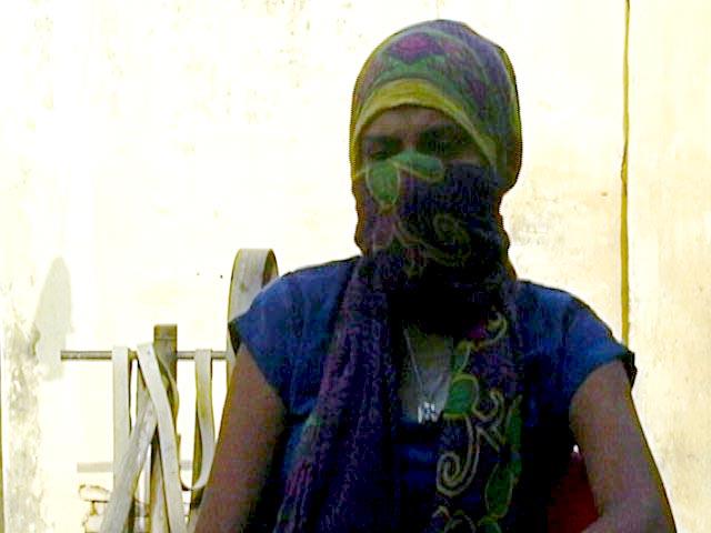 Video : मेरठ लव जिहाद मामले में यू−टर्न, लड़की ने गैंगरेप की शिकायत वापस ली