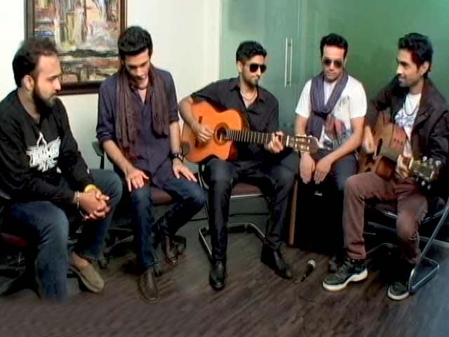 Video : MJ Show With the Popular Band - Sanam