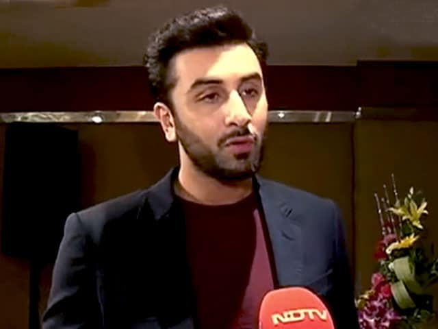 Video : Ranbir Kapoor Does His Bit for Kashmir