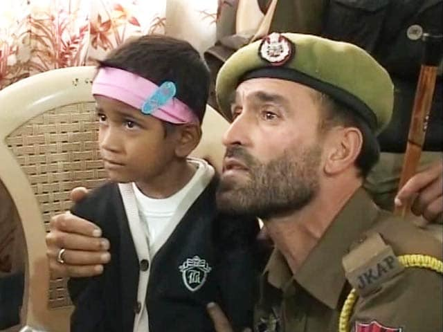 Video : Kashmir Flood Reunites Kidnapped Child With Her Family in Mumbai