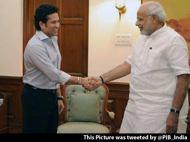 Video : Sachin Tells Narendra Modi he is Keen to Work in Schools, Colleges