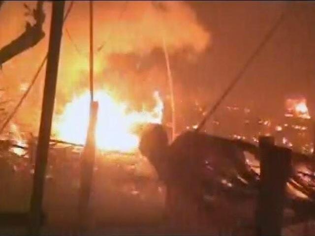 Videos : फरीदाबाद में पटाखों की 200 से अधिक दुकानें जलकर खाक