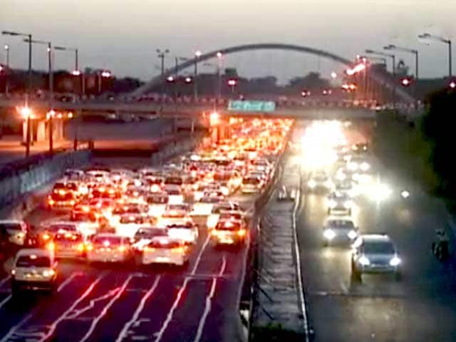 Video : An Eye-opening Report on the Reality of India's Roads