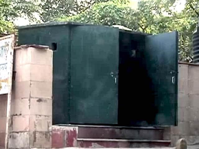 Video : दिल्ली के दो बायो टॉयलेट्स का हाल