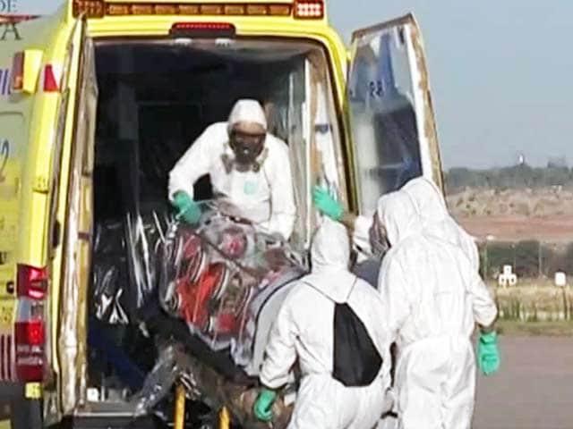 Video : इबोला से मुठभेड़ में डॉक्टरों का हौसला