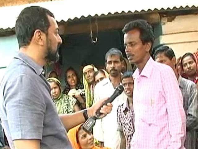 Video : In Birbhum, As Muslims Cross Over to the BJP, Violence Erupts