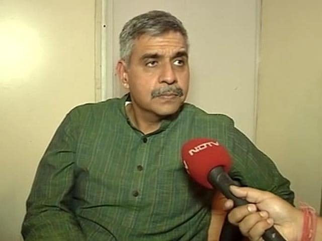 Video : 'What Happened was Not Dignified': Congress Leader on Vadra Episode