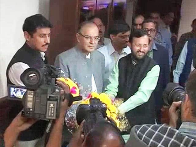 Video : 'Some Problems Take Care of Themselves,' Says Arun Jaitley on Sena Threat