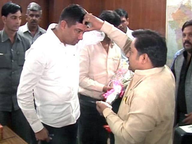 Video : Minister Nihal Chand Meghwal 'Missing' in Rajasthan, Has a Photo-op in Delhi