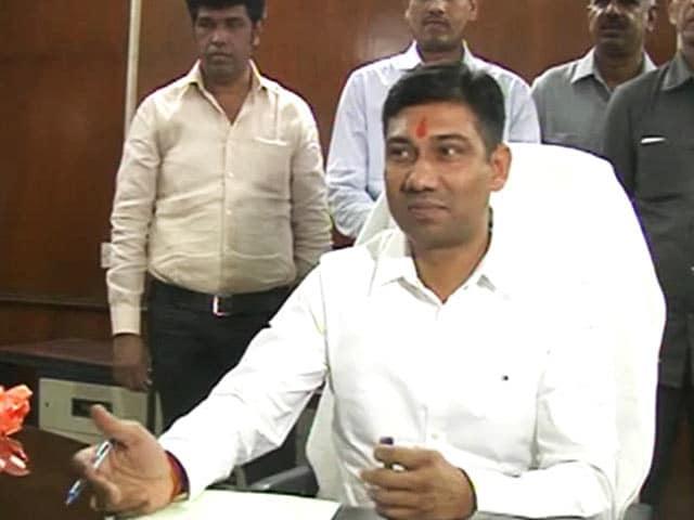 Video : गुमशुदा मंत्री से सहमी सरकार!