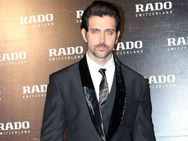 Video : Hrithik Roshan Covers Up