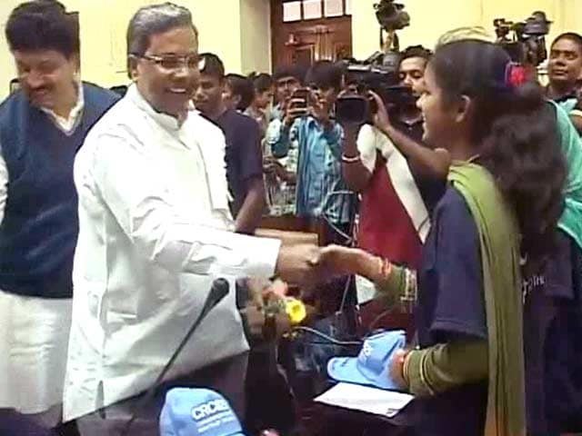 Video : 'Mr Chief Minister, Why Aren't Children Safe?' Students Ask Siddaramaiah