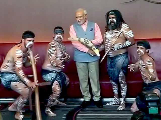 Videos : पीएम मोदी के रंग में रंगा सिडनी