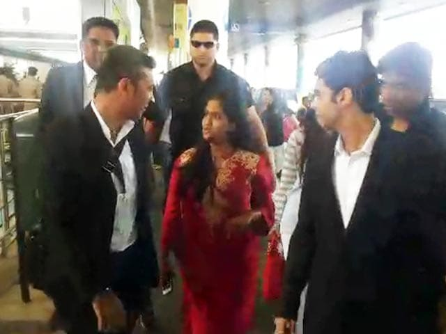 Video : Bride-To-Be Arpita Khan Checks In To Hyderabad