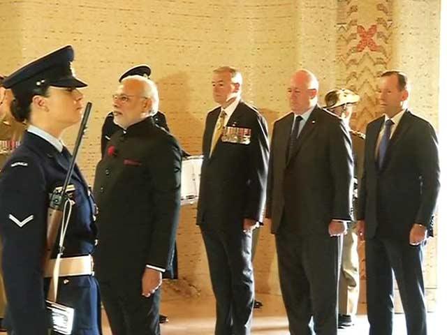 Video : PM Modi Visits War Memorial at Canberra
