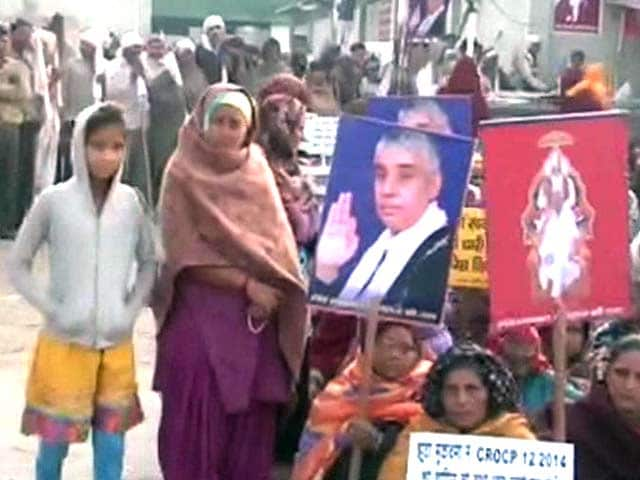 Video : Supporters of Murder-Accused 'Godman' Start Leaving, Say They Were Forced to Stay