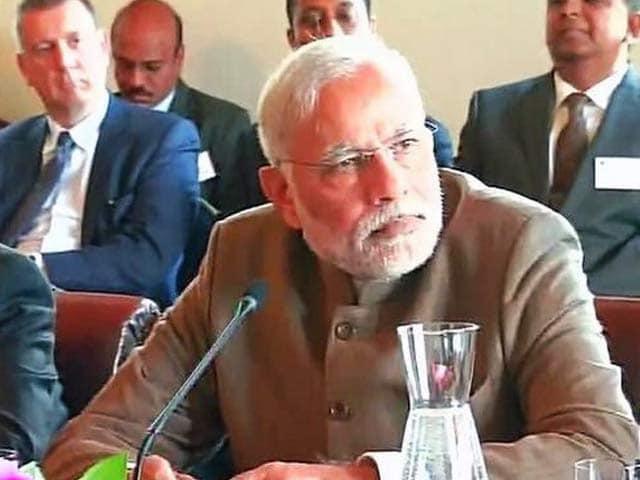 Video : PM Narendra Modi Meets CEOs of Australian Companies in Melbourne