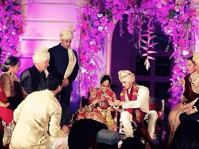 Video : Arpita Khan Marries Aayush Sharma in Big Fat Bollywood Wedding