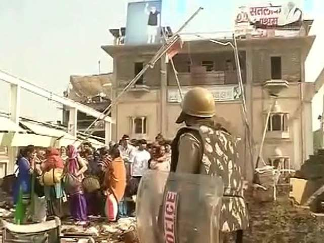 Video : Four Women and a Baby Dead at Controversial Guru Rampal's Ashram