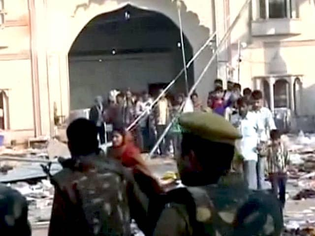 Videos : इंडिया 7 बजे : रामपाल पर कसा शिकंजा