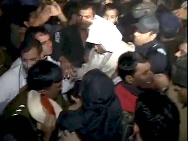 Videos : रामपाल पूरी तरह फिट, हाईकोर्ट में आज किया जाएगा पेश