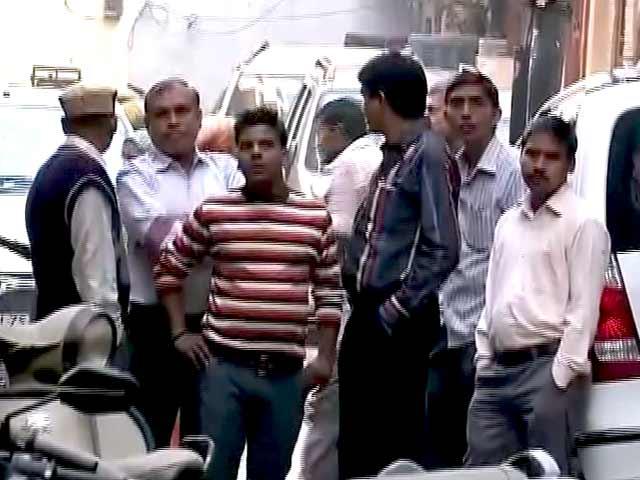 Video : दिल्ली : मणिपुर के पीएचडी स्कॉलर का शव मिला