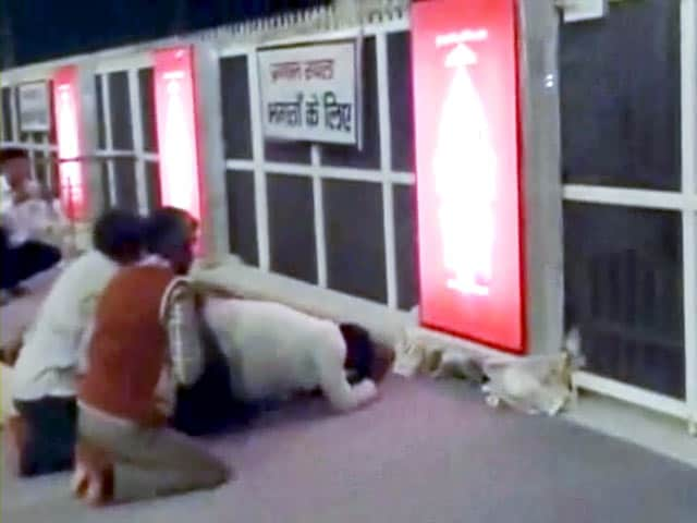 Videos : रामपाल को भगवान मानने वालों की कमी नहीं