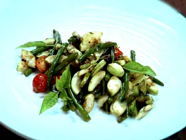 Video : Sauteed Lauki with Curry Leaves
