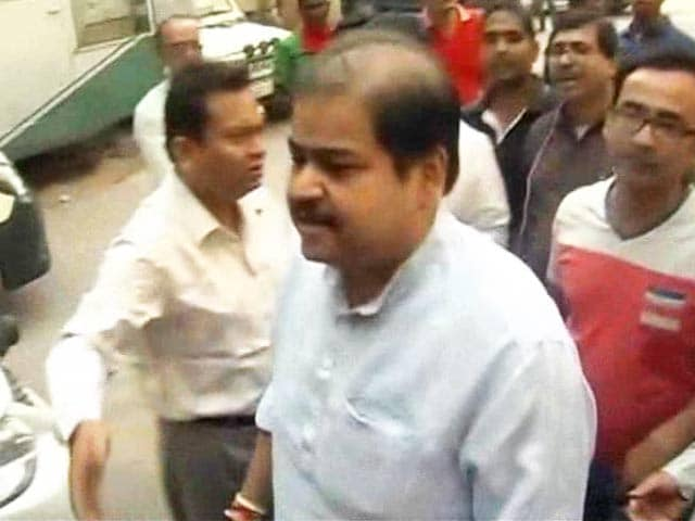 Video : Trinamool MP Srinjoy Bose Arrested in Saradha Chit Fund Scam