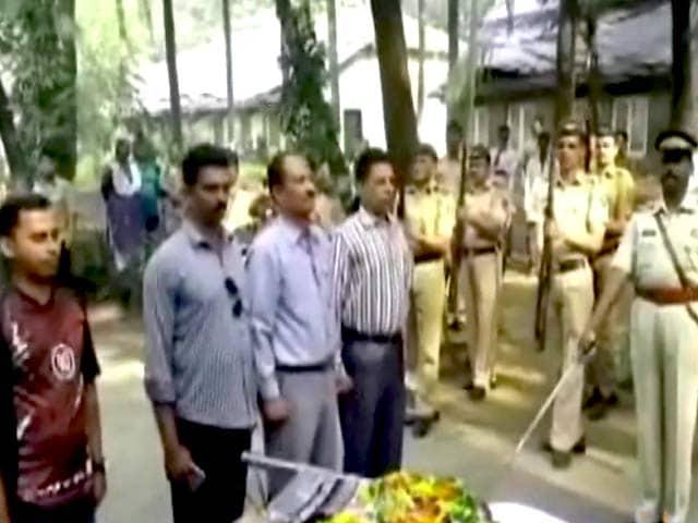 Videos : खोजी कुत्ते 'प्रिंस' की राजकीय सम्मान के साथ अंतिम विदाई
